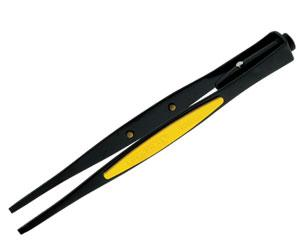 "General Ultratech LEDvision 70403 6.25"" Serrated Blunt Tip Lighted Tweezers, illuminate your working area, non slip cushion grip, 3 LR44 Batteries"